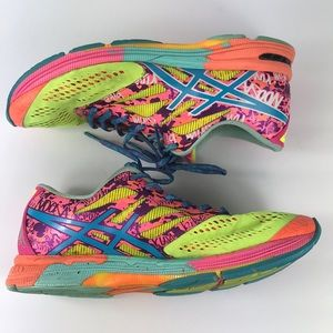 ASICS Women's Gel Noosa Tri 10 running Shoe size 9